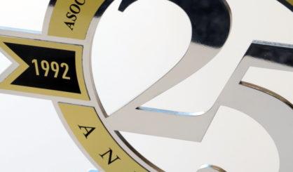 detalle-trofeo-corporativo-letramark