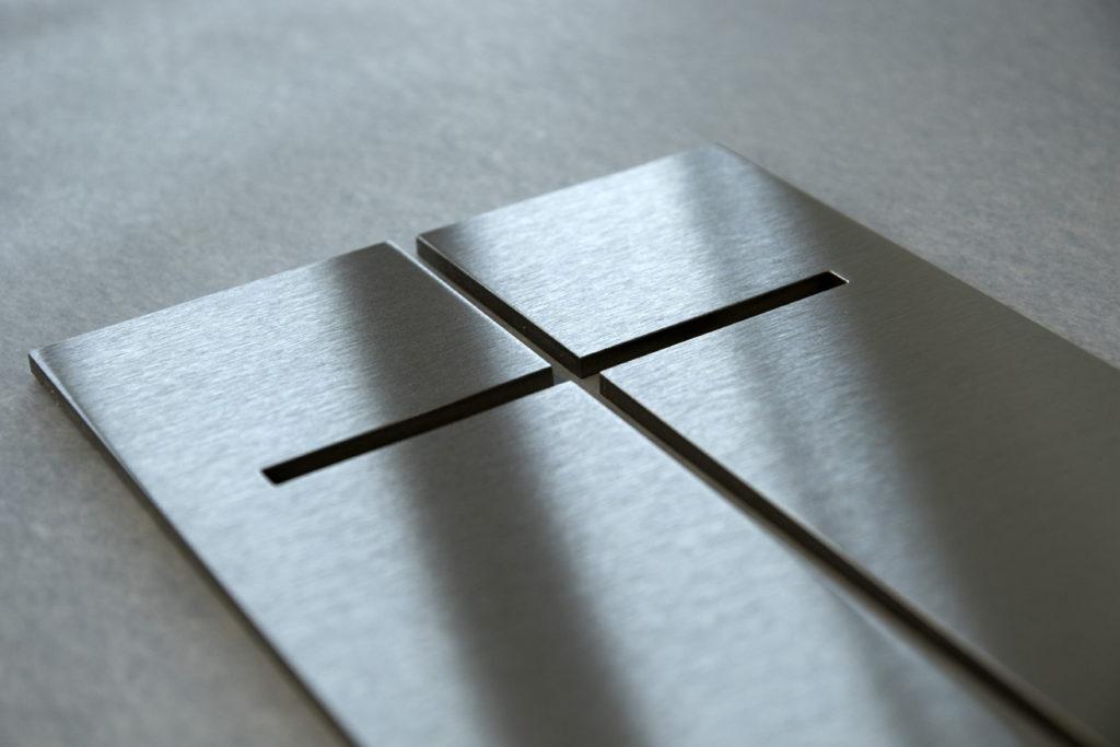 cruz-cortada-laser-letramark